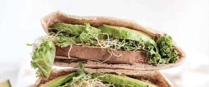Sendvič sa salatom pun ugljenih hidrata